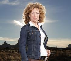 Alex Kingston Autographs and Photo Ops