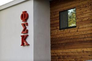 Going Greek USC Fraternity House Tour