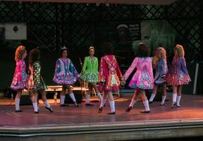 Cleary Irish Dance - performance & dance lesson