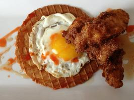 Poulet et Gaufres (Chicken & Waffles, y'all!)
