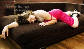 Bedroom Bliss Photo Shoot with Seattle Boudoir Photogra...