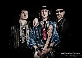 STEVIE RAY VAUGHAN Tribute: SIX STRINGS DOWN