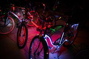 DLECTRICITY - Light Bike Parade