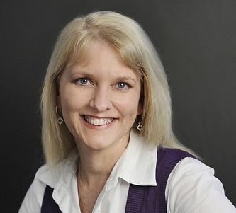 Zoe deLuca Social Media Marketing For Business