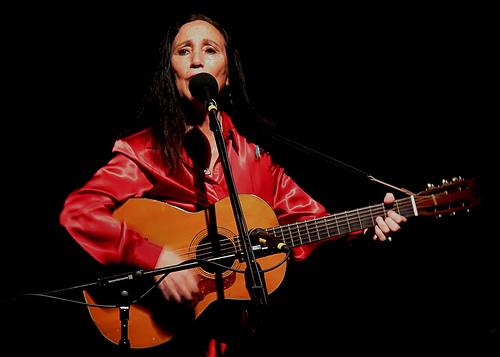 Julie Felix with Guitar