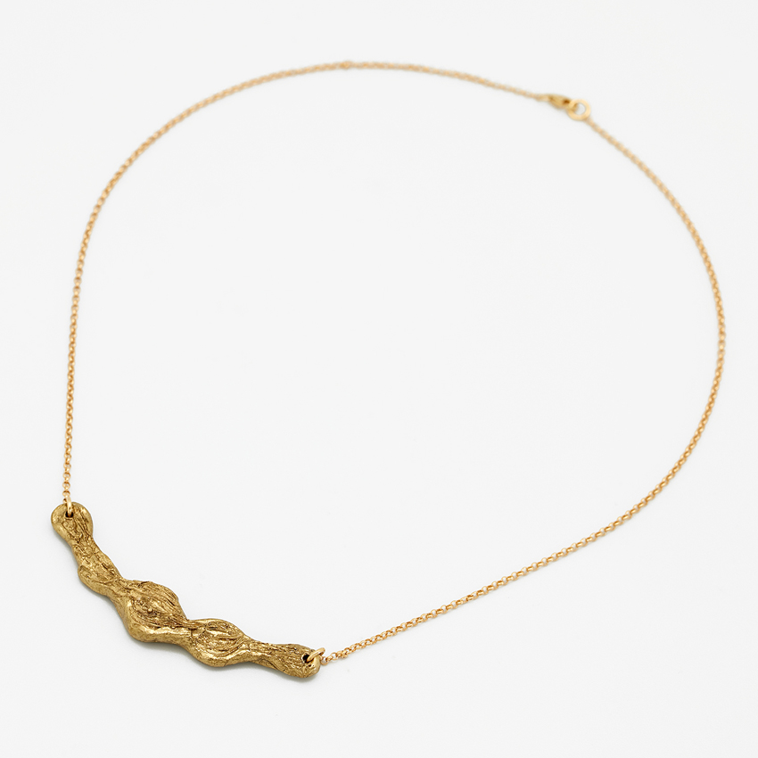 collar de latón bañado en oro