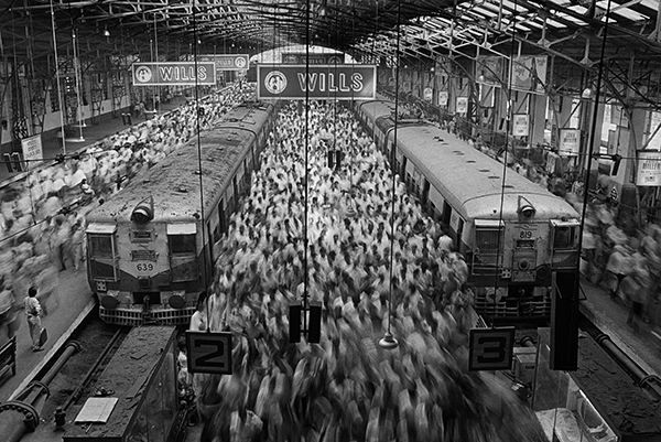Sebastião Salgado, Church Gate Station, Western Railroad Line, Bombay, India, 1995