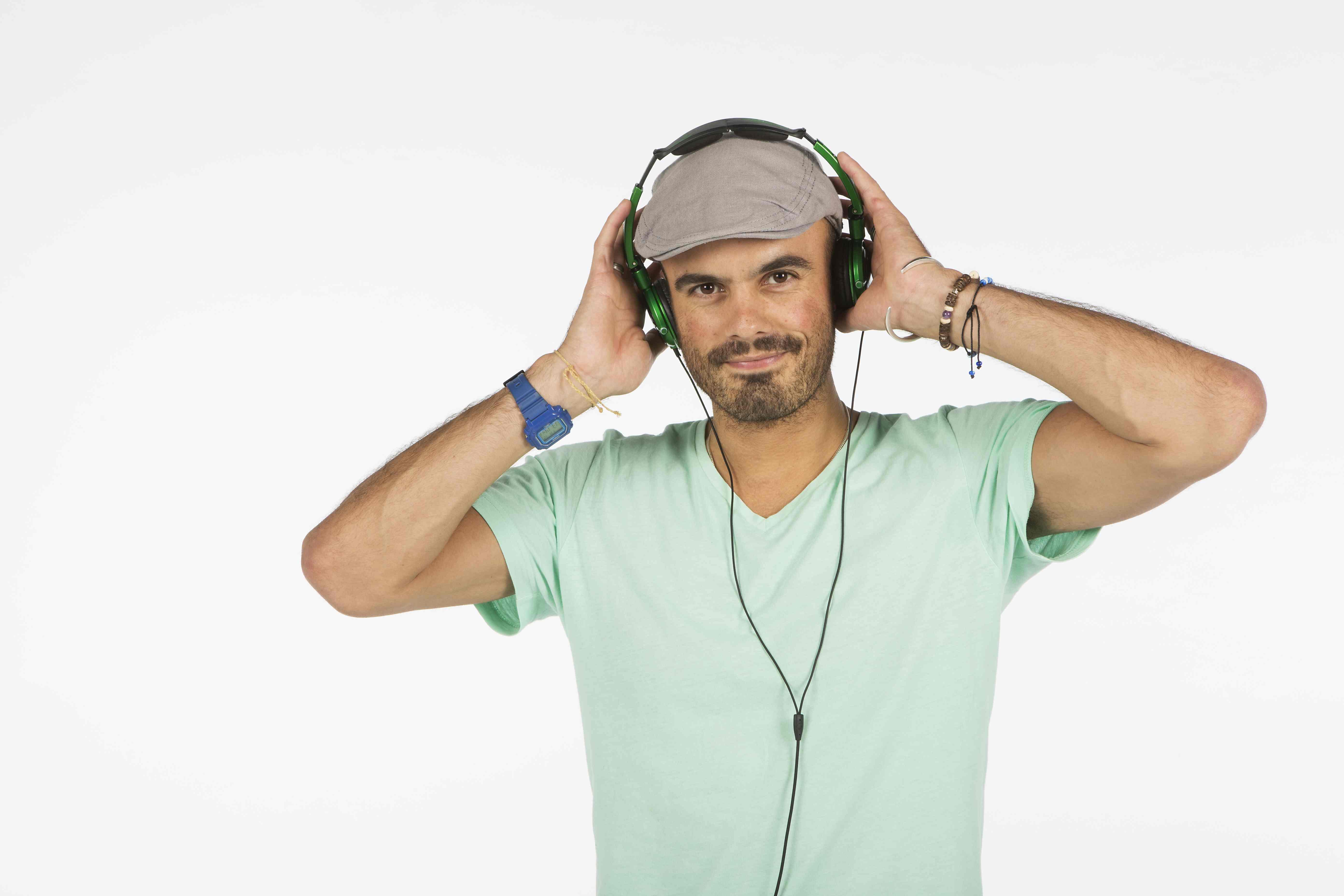 Take part in a DJ crash course with Hoxton Radio DJ David Preesah