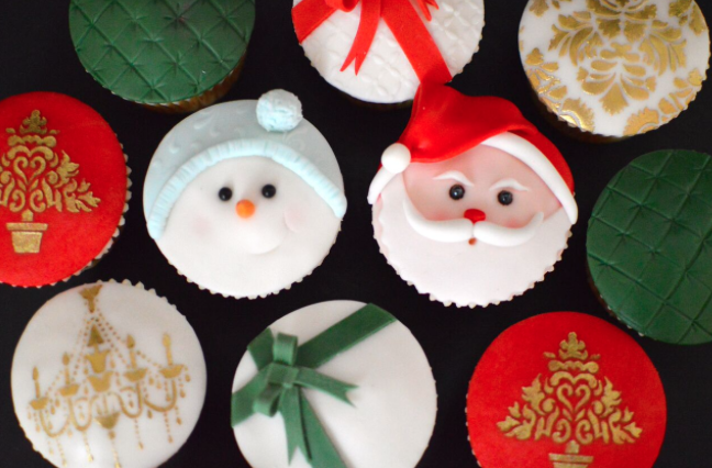 Festive Fondant Cupcakes