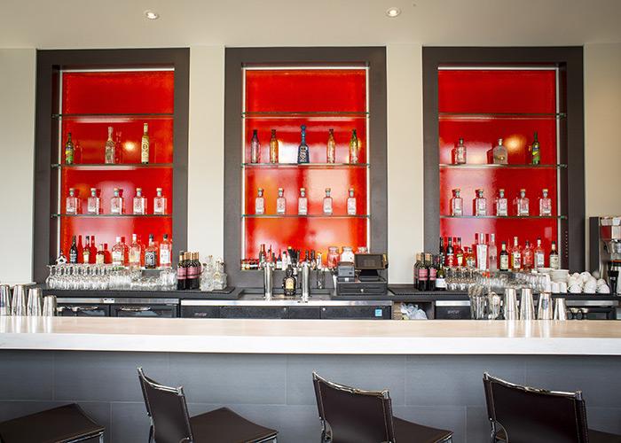 the bar at mas
