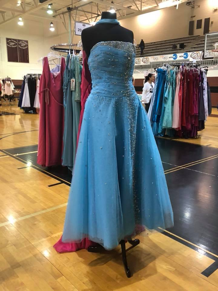 blue dress gym 2018