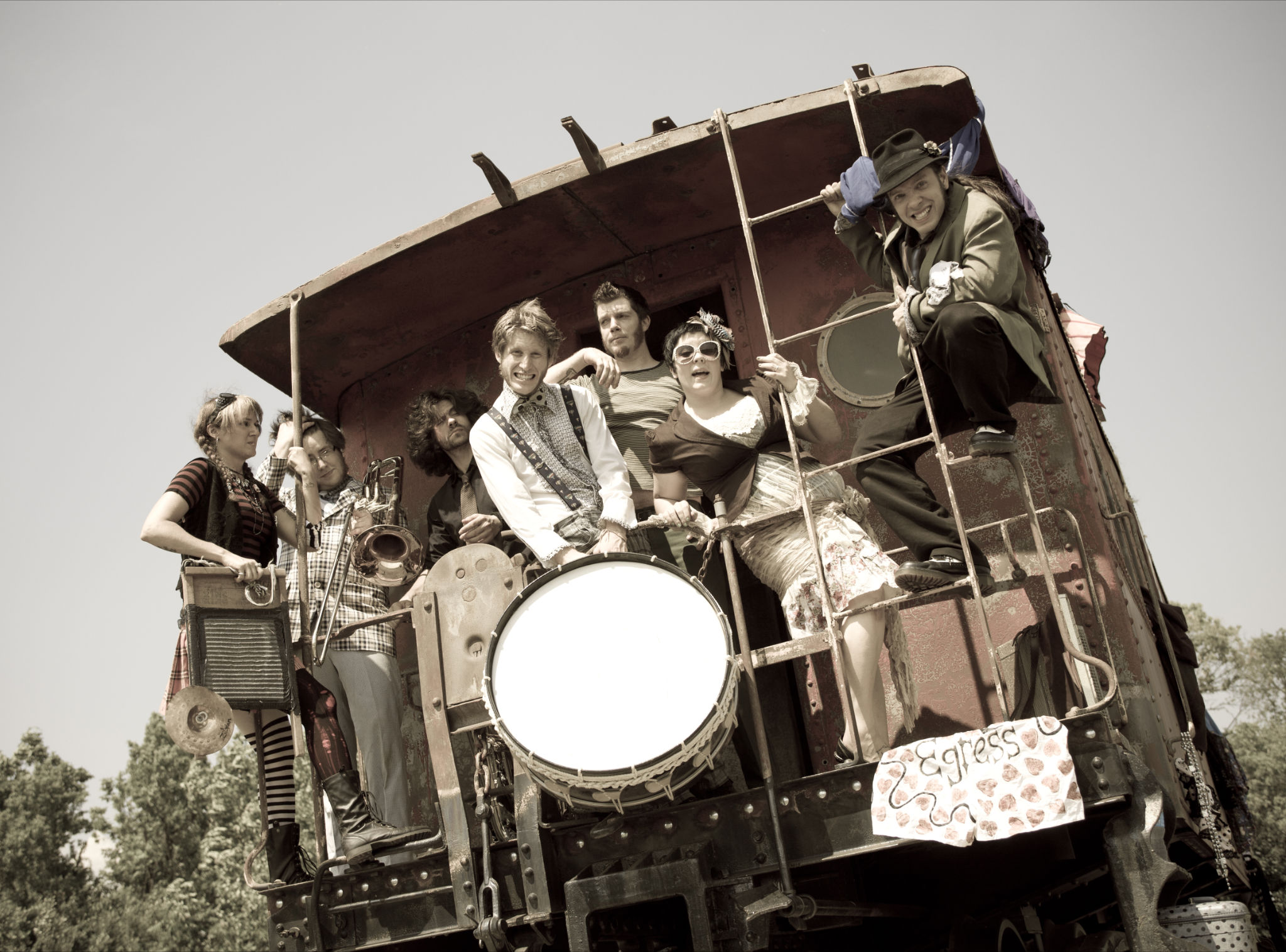 Steampunk band This way to the Egress