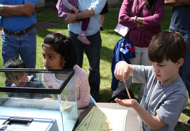 Young visitors learn about pH at a Wagner weekend family open house