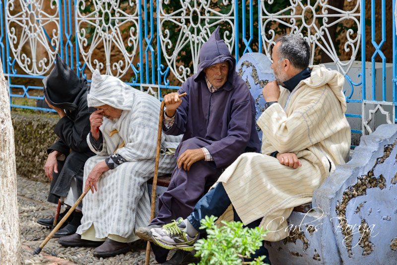 Conversaciones en la plaza de Uta al-Hamamm