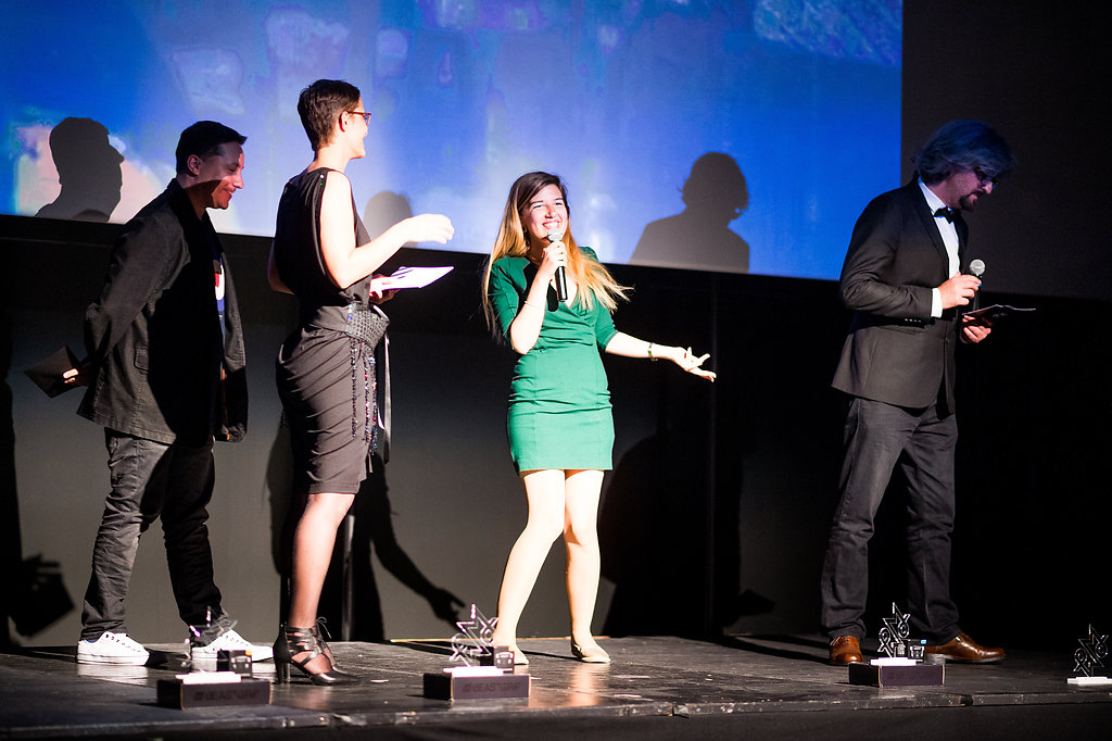 Daphna Awadish erhält ihren Award