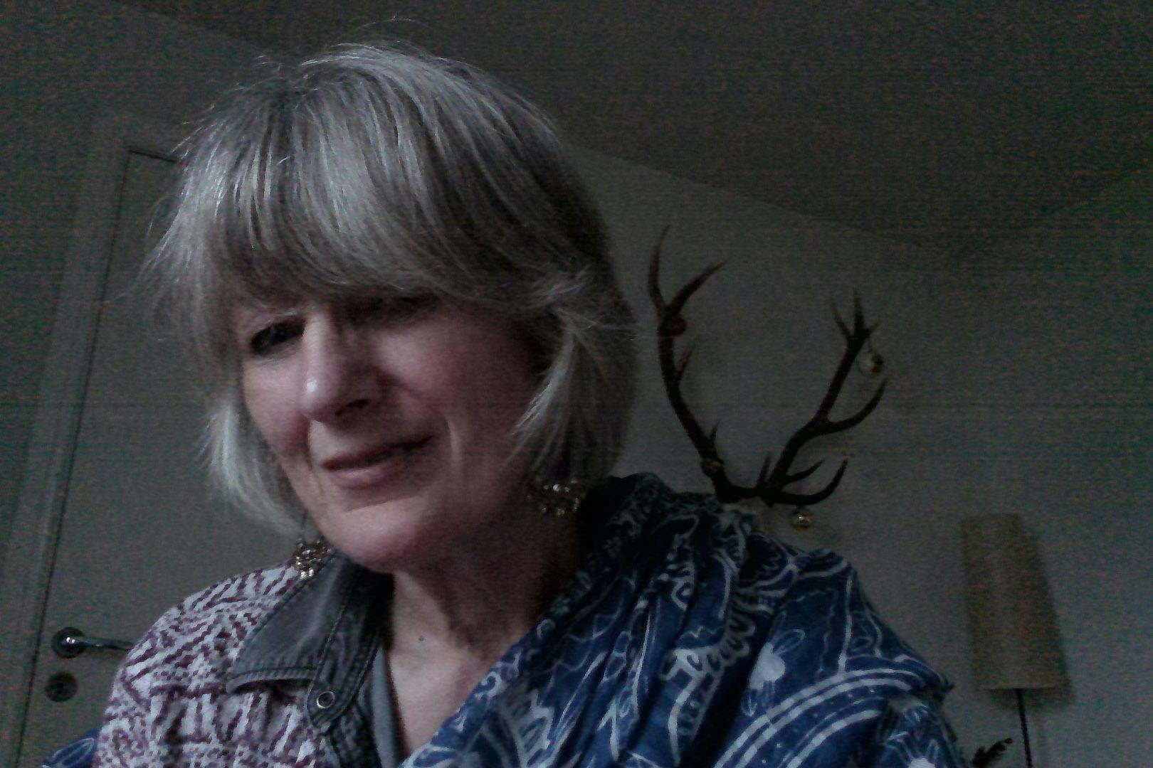 Gilly Diviani THEATRE OF DRAMS Ceilidh Corner #ScotchTalk