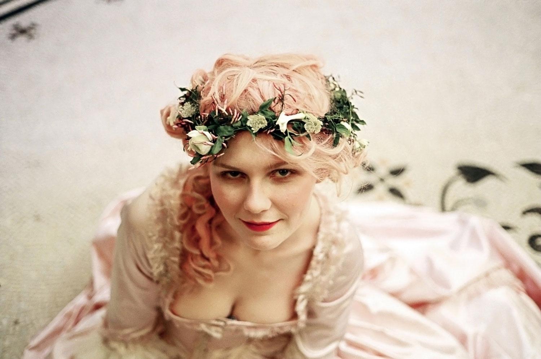 Kirsten Dunst Marie Antoinette wreath