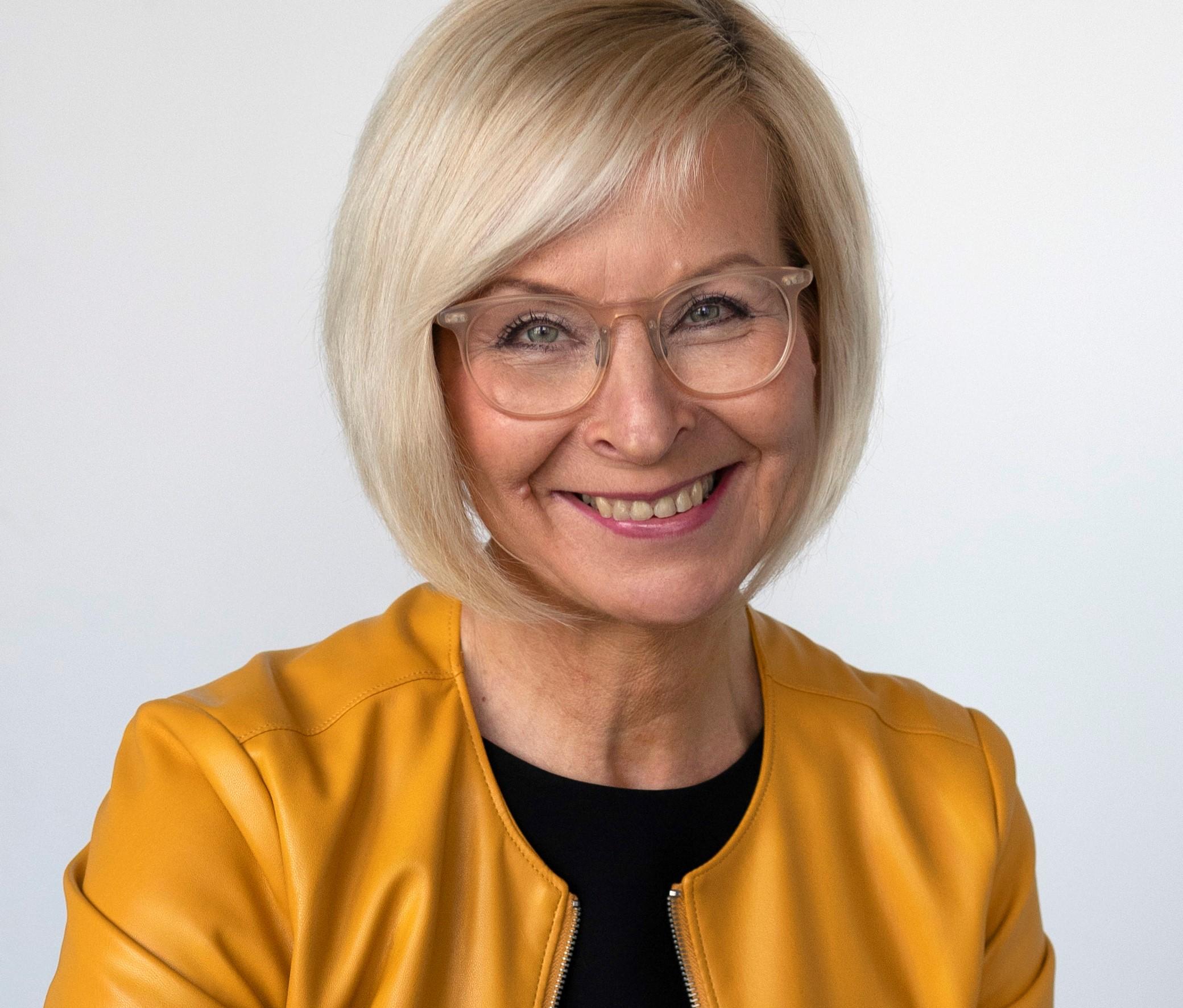 Webinaarin vetäjä Marja Nousiainen