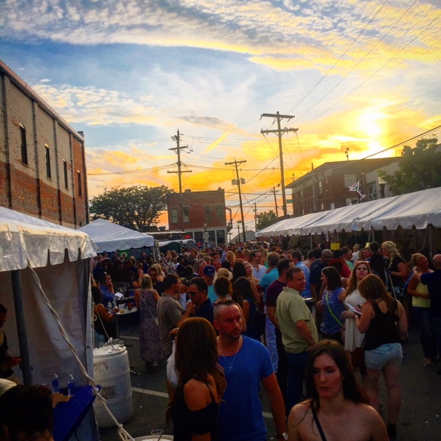 Ohio Wine Festival crowd image