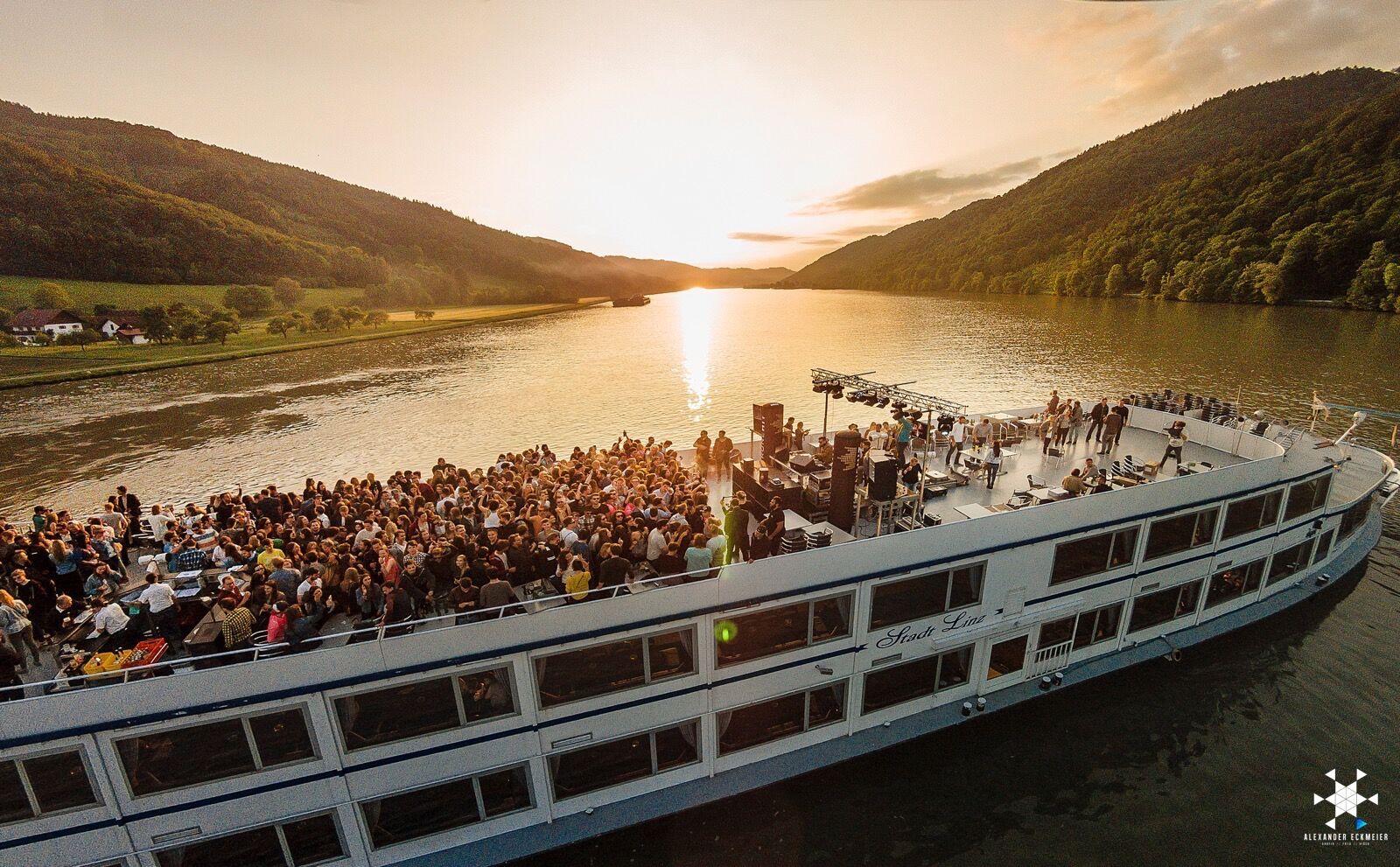 Legendäre Bootspartys auf der Donau!