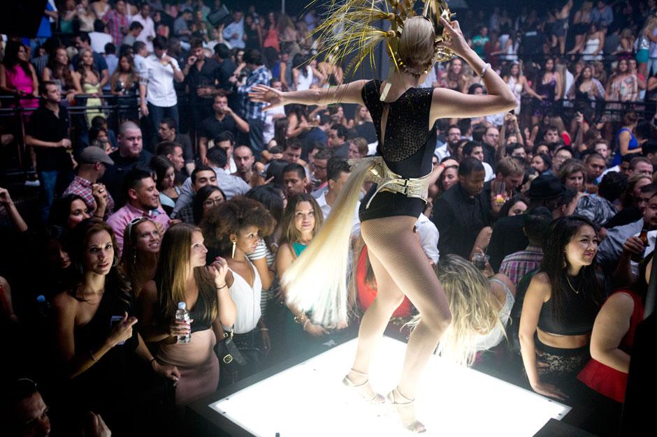 Las Vegas Club Crawl - Club Crawl Las Vegas - Las Vegas Pub Crawl