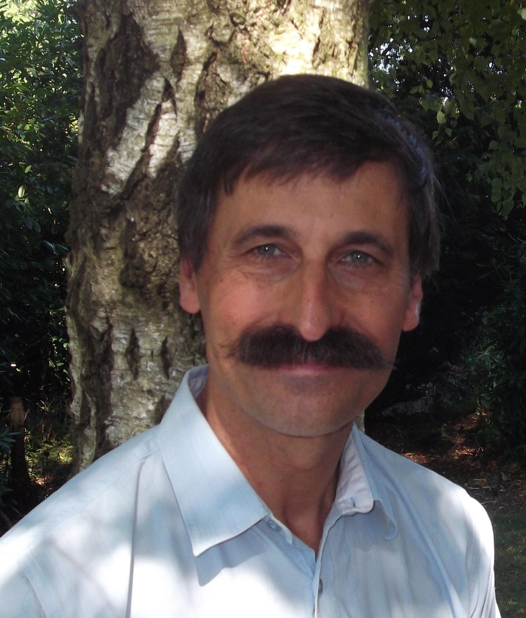 Dr Alain Gregoire