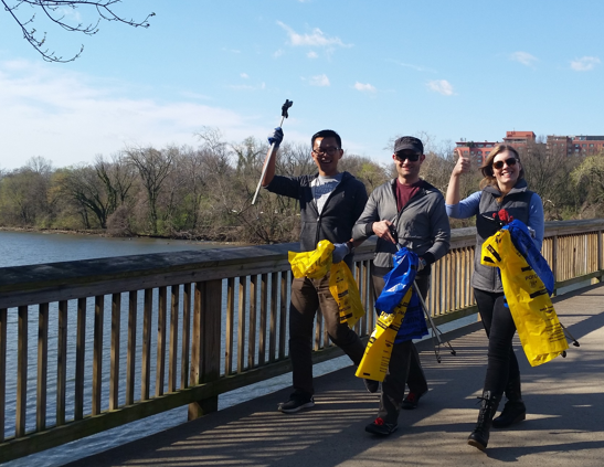 Potomac Watershed Cleanup volunteers at Jones Point Park