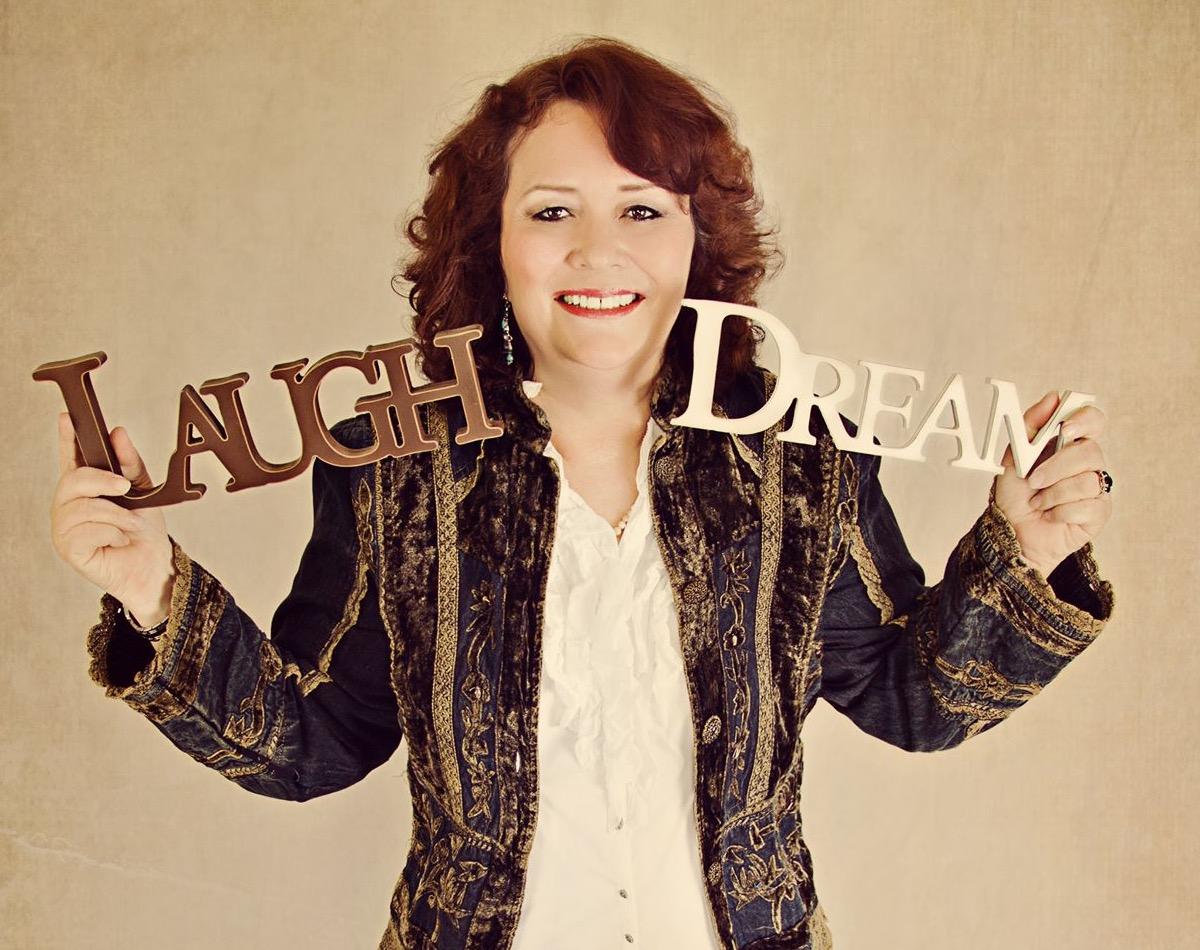 Linda Grindel - Famous Psychic Medium & Comedian