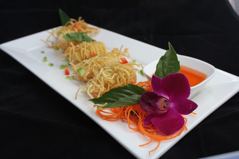 Ban Chok Dee Prawn in Crunchy Noodle (Goong Sarong)