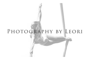 Photography by Leori logo