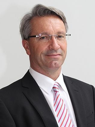 Warwick Holmes