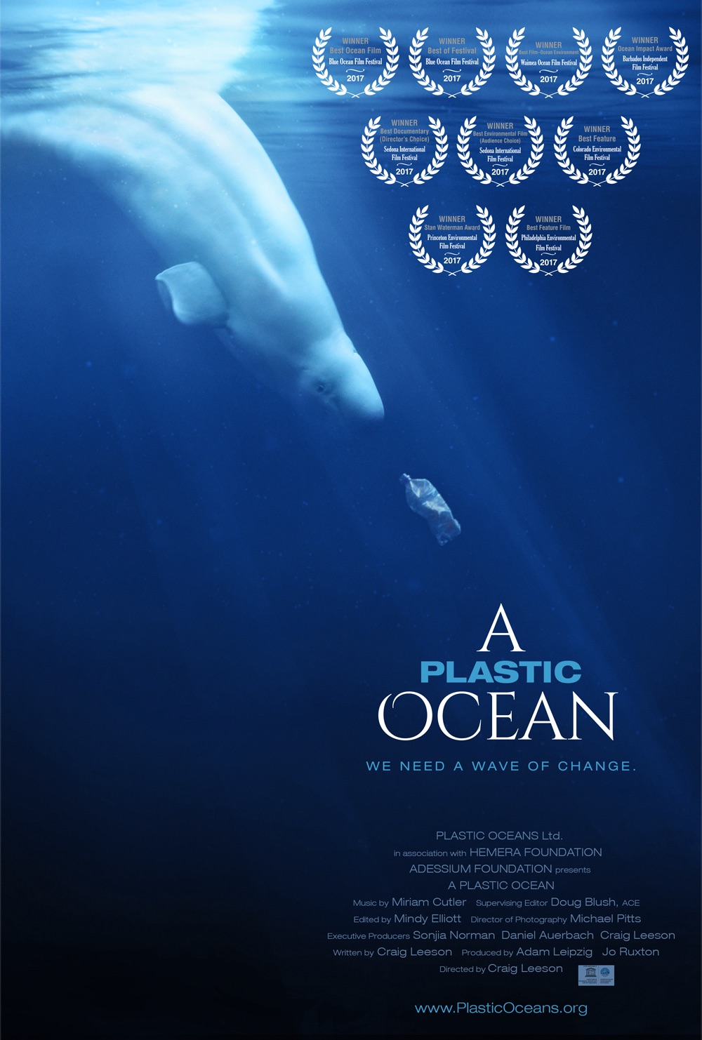 Poster A Plastic Ocean- Blue whale and bottle