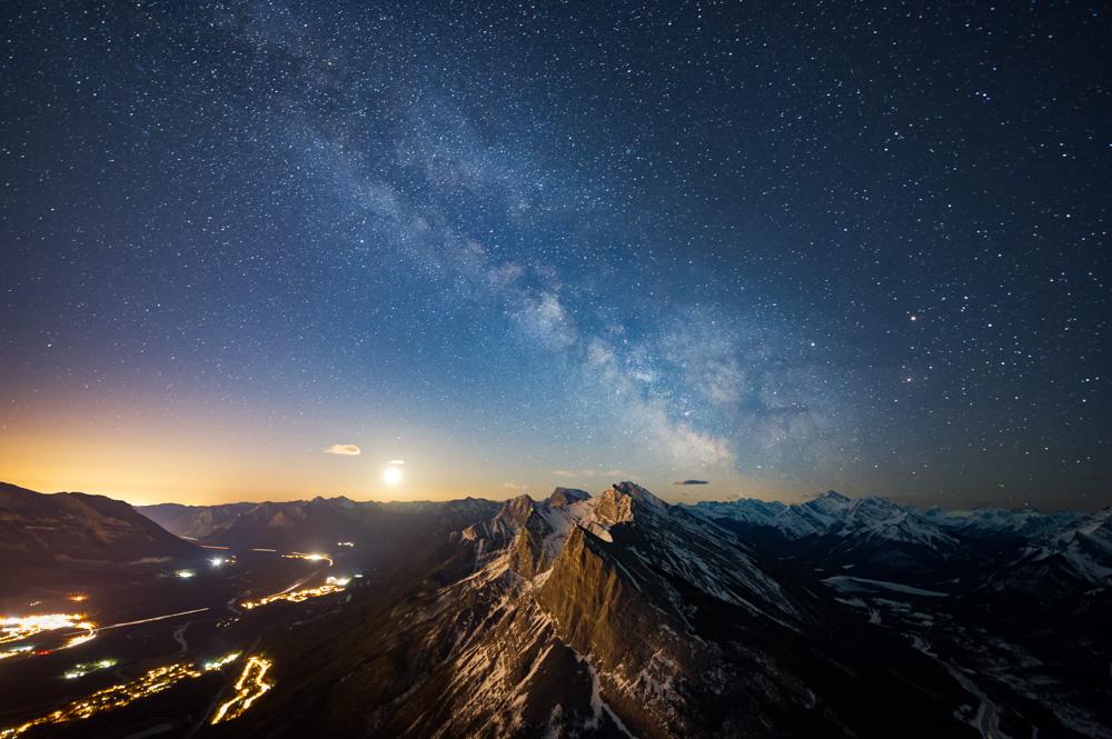 Milky Way over Ha Ling