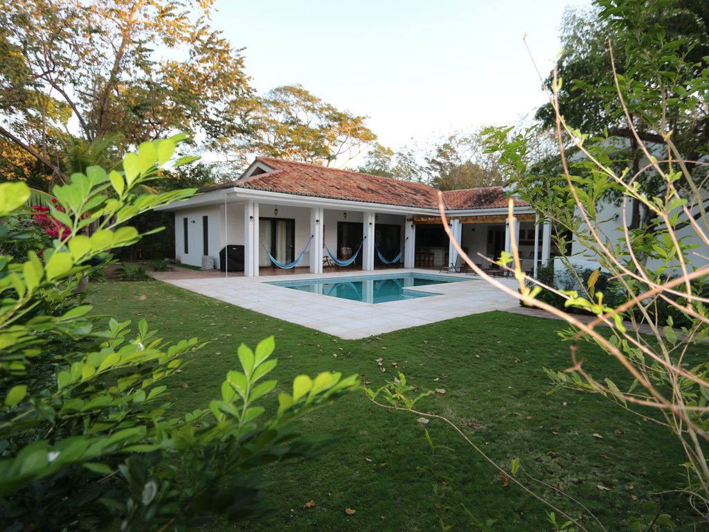 Nicaragua retreat house daytime