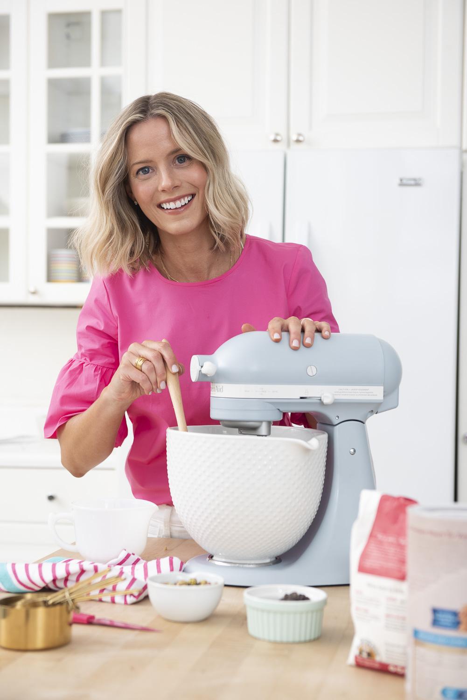 Kristen Tomlan baking up something sweet from her new cookbook!