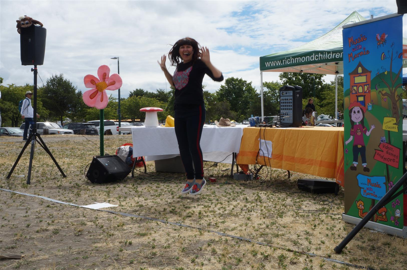 Marnie Grey Performing at Community In Motion