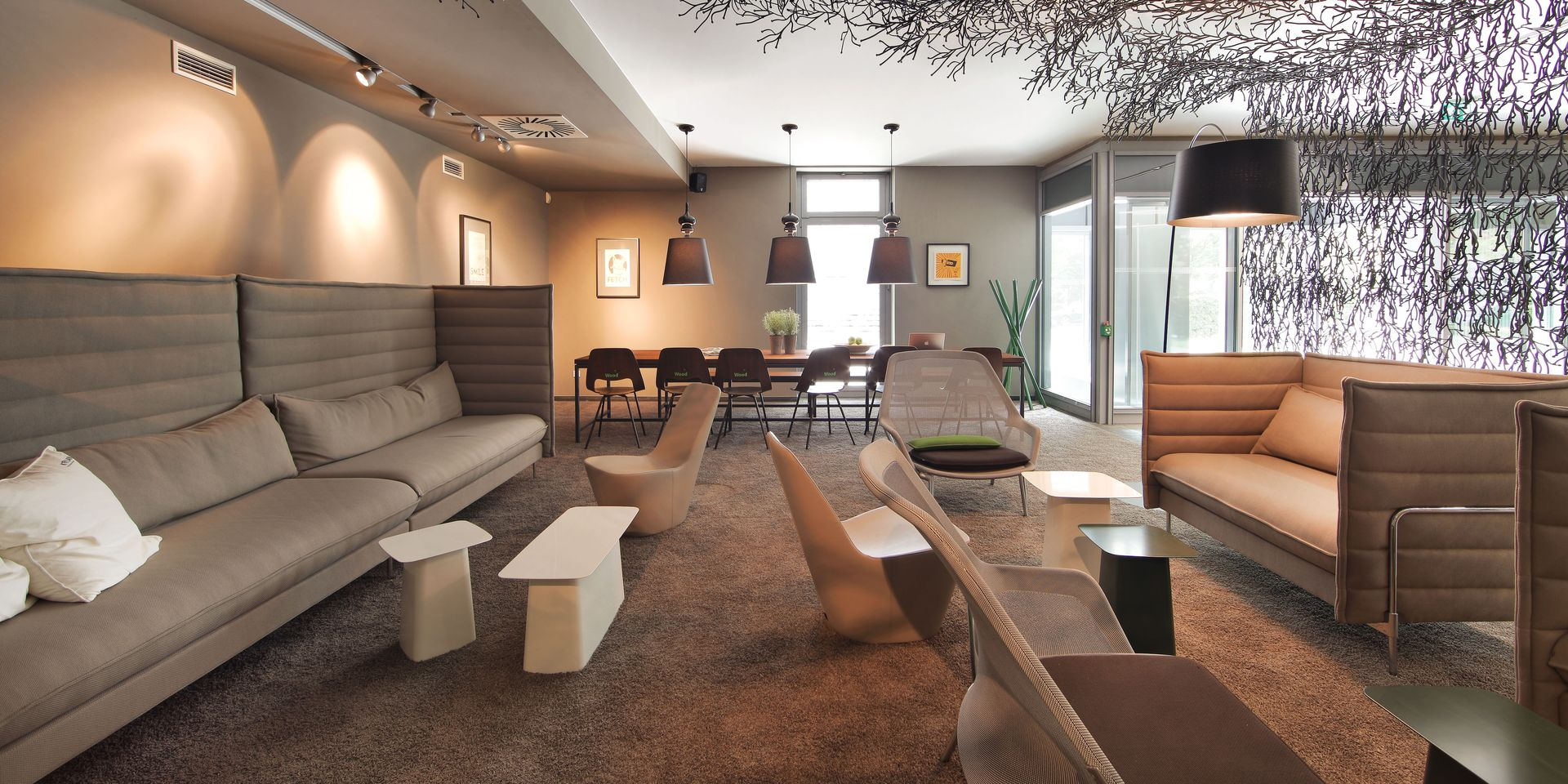 Eingangsbereich Links Lounge