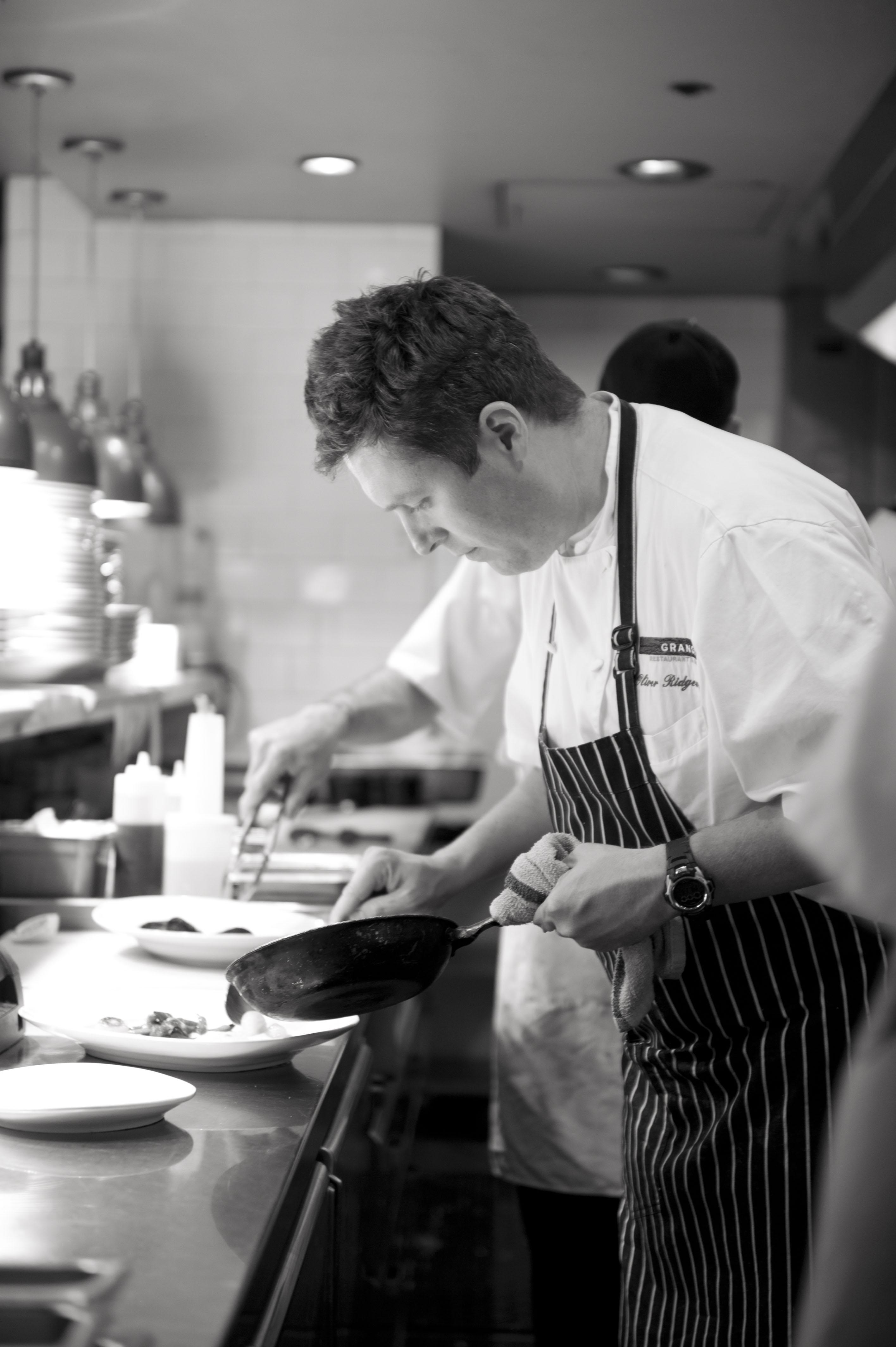 Oliver Cooking