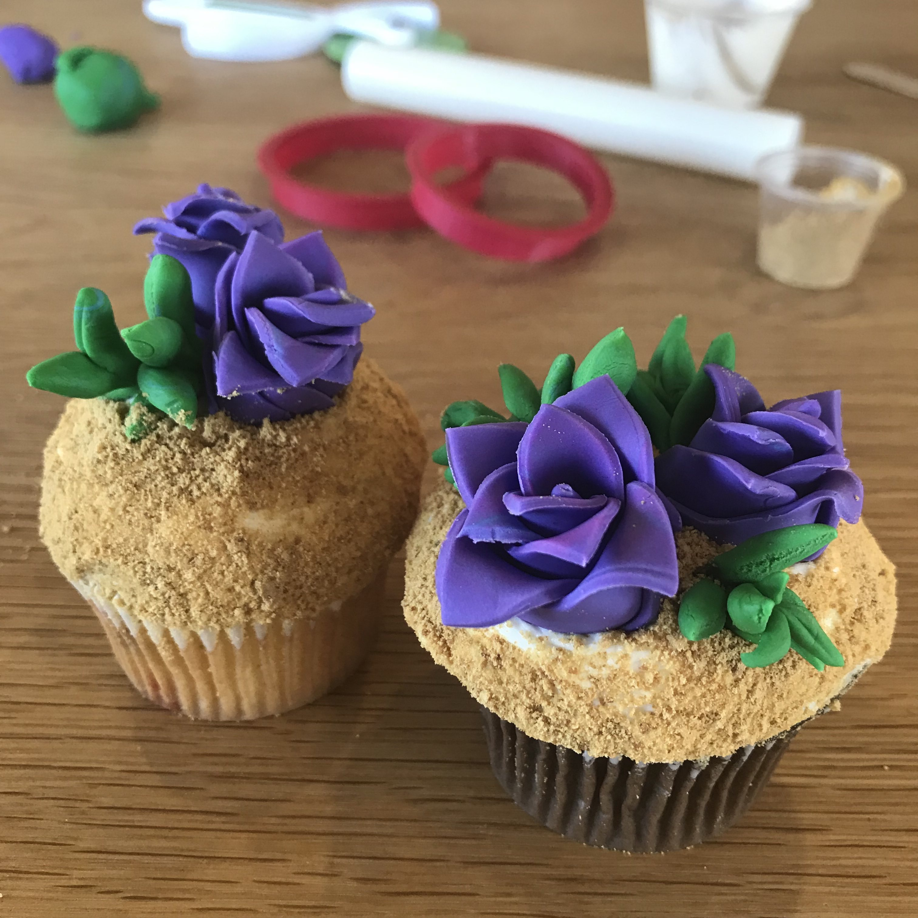 Cupcake Decorating with Duff's Cakemix