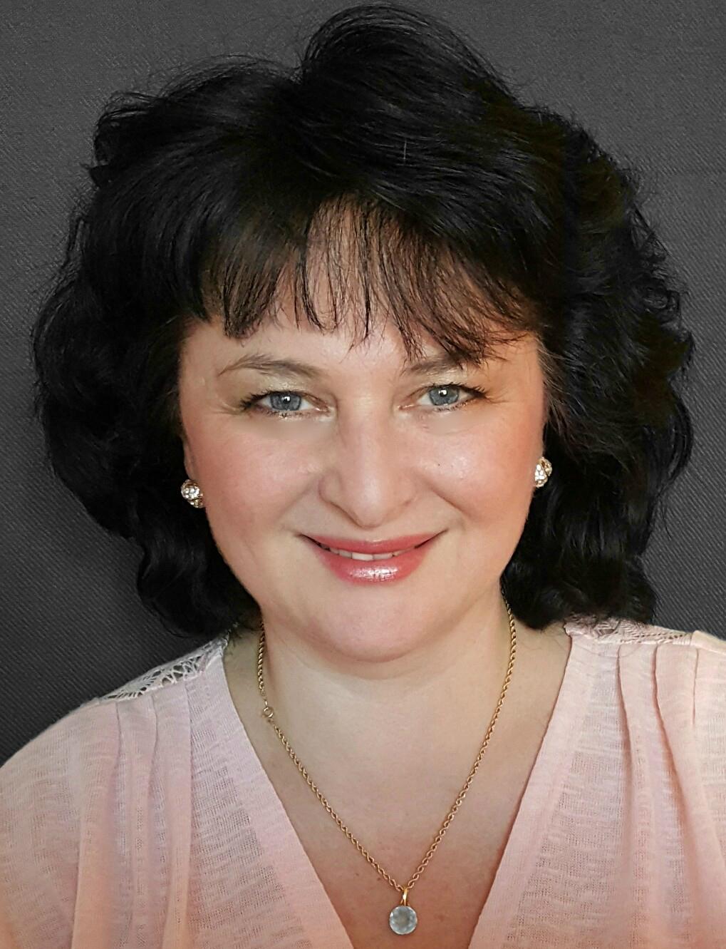 Dr. Marianna Lead, MCC