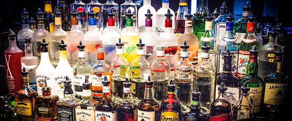 Picture - Fully stocked with alcohol, bar