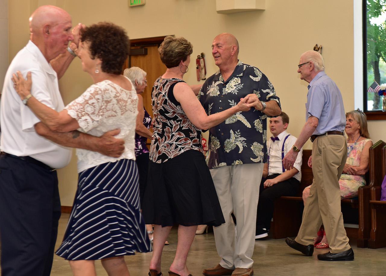 Bob Wilson dancing