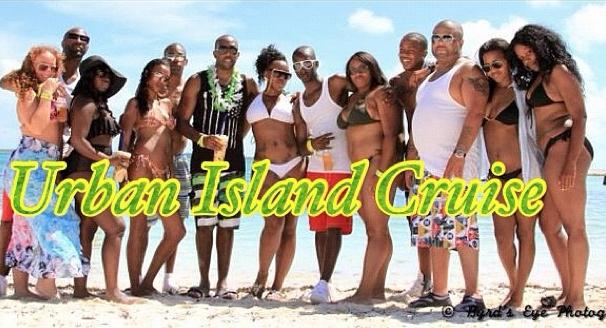 Group Cruise Island Pic