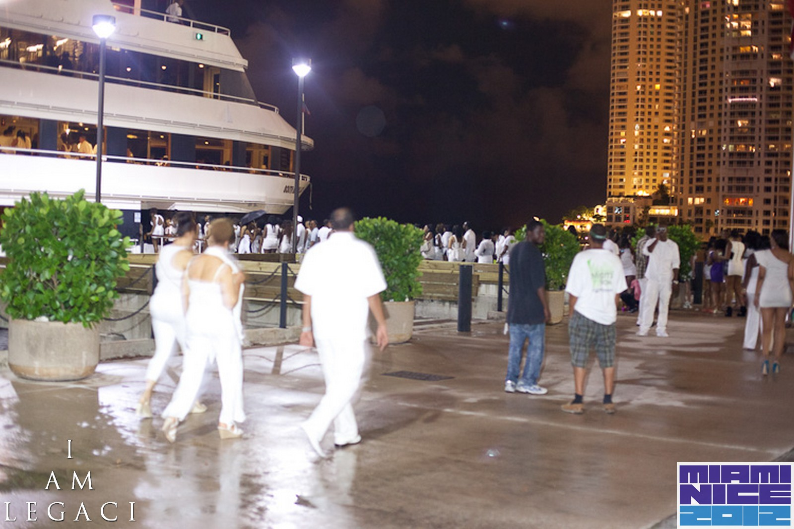 sold out miami nice 2013 the annual miami carnival all white yacht party columbus day. Black Bedroom Furniture Sets. Home Design Ideas