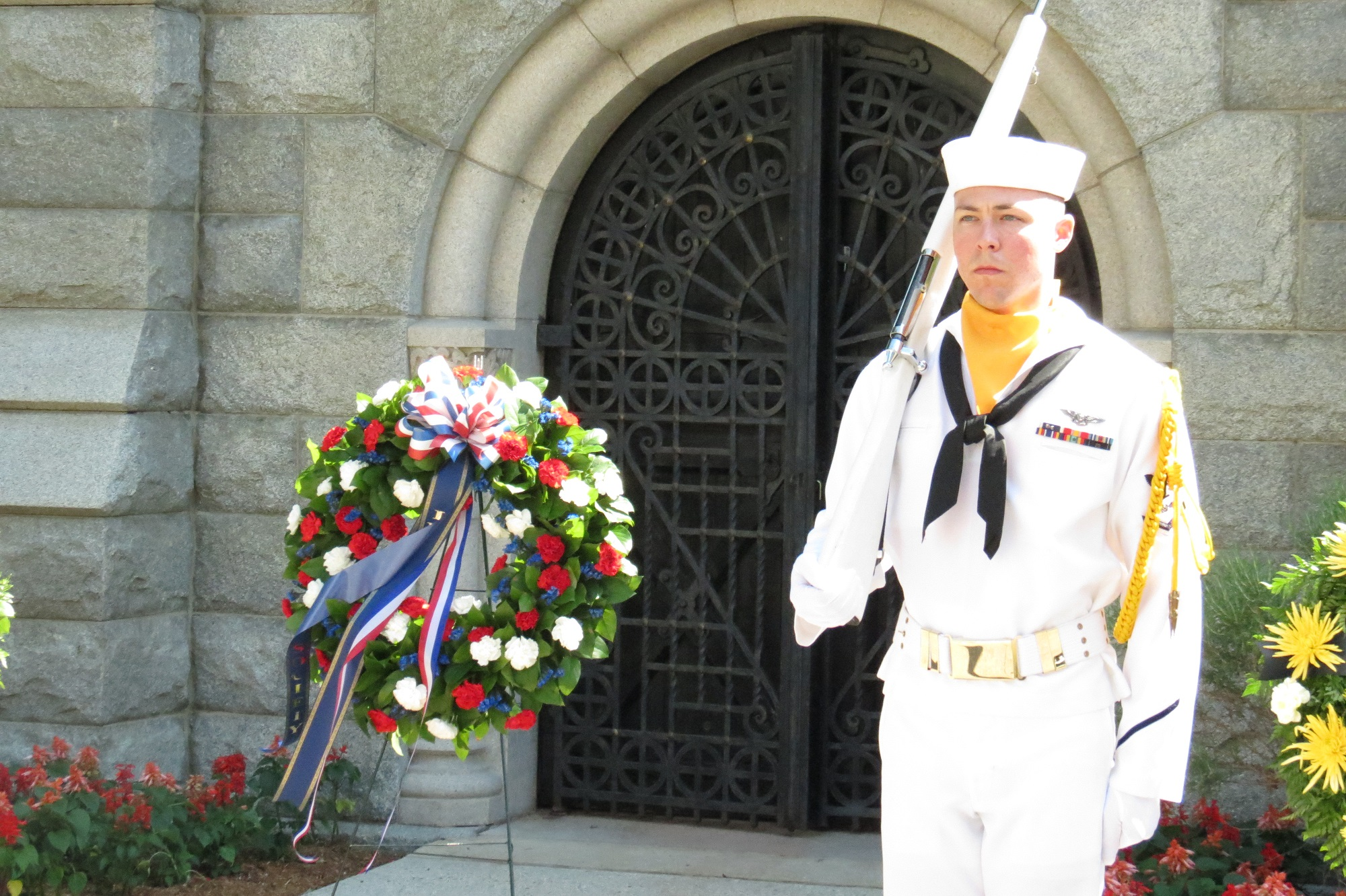 Wreath Laying at 2015 Memorial Day Commemoration