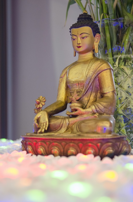 Medicine Buddha Light Offering