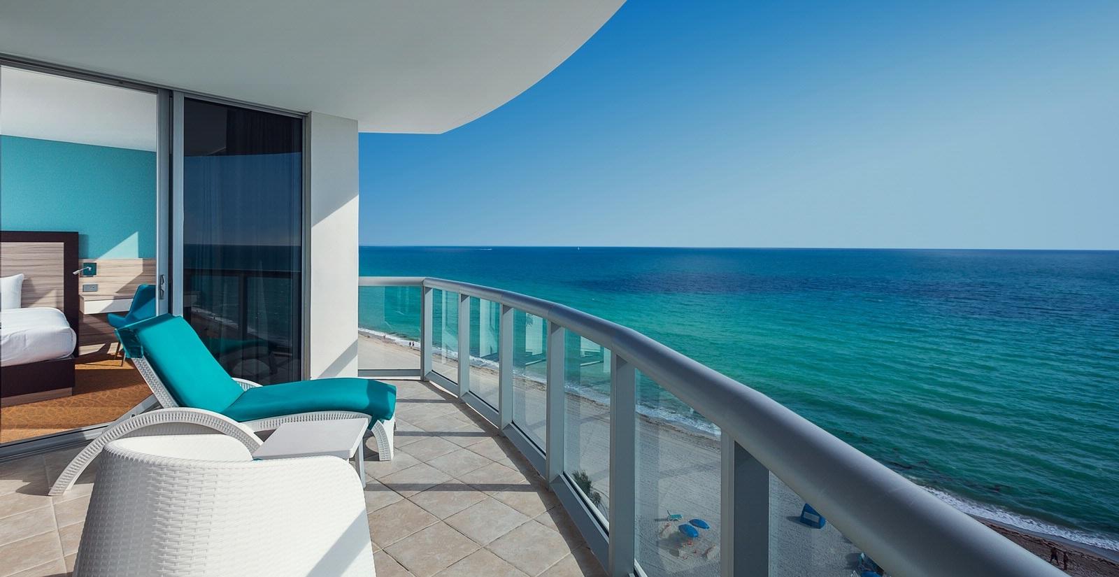 Ft Lauderdale Bloggers Meet at Marenas Beach Resort in Sunny Isles