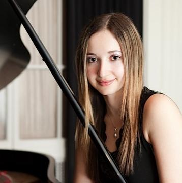 Yelena Grinberg, piano
