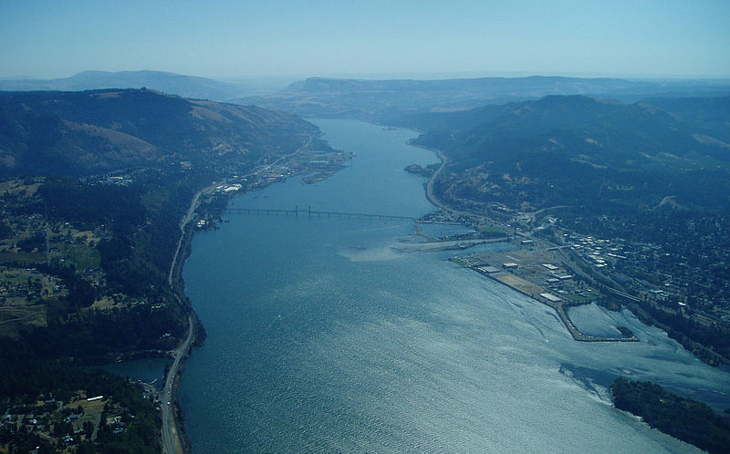 View of the Columbia River, Columbia Gorge