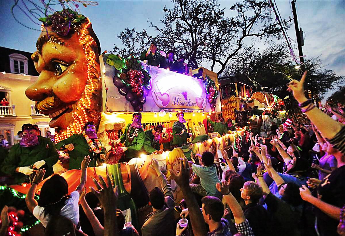 Mardi gras 2014 parade float beads french quarter 2015 macy parade